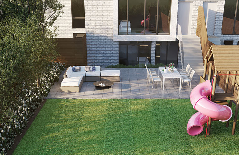 outdoor-living-space-at-keewatin-park-townhomes